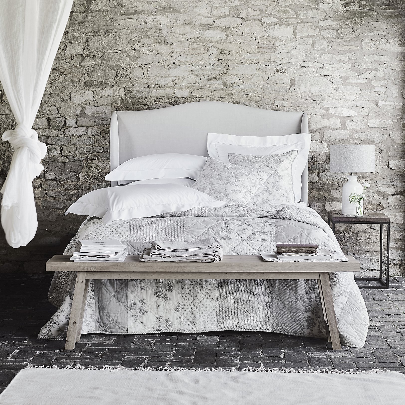 Burford Quilt Cushion Covers Bed Cushions Bedspreads Throws The White Company Uk