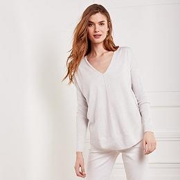 Curve Hem V-Neck Sweater