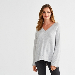Wool Chunky V-neck Sweater