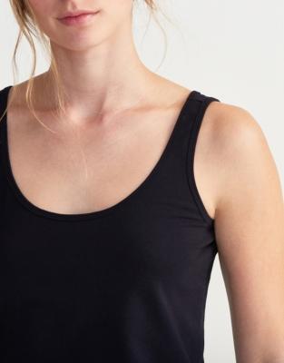 Essential Vest