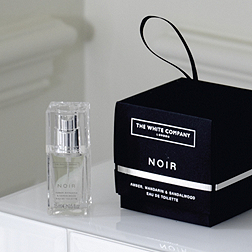 Noir Eau de Toilette Decoration