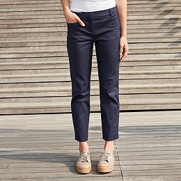 Oxford Sateen Capri Pants