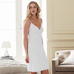 Pretty Lace nightie - White