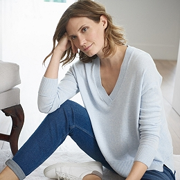 Wool-Cashmere V-Neck Sweater - Pale Blue Marl