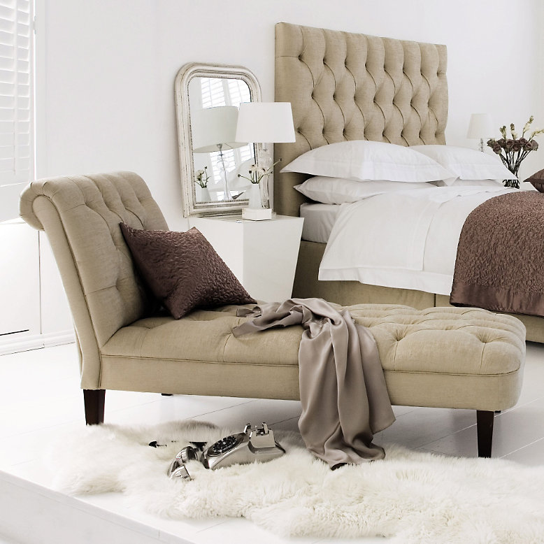 http://whitecompany.scene7.com/is/image/whitecompany/RHFBQ_3?$Flyout778x778$
