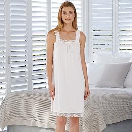 Scallop Edge Lace Trim Night Gown
