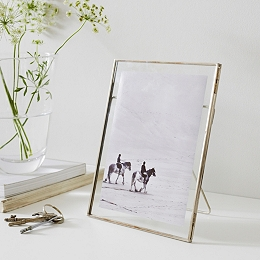 Floating Photo Frame 5x7""