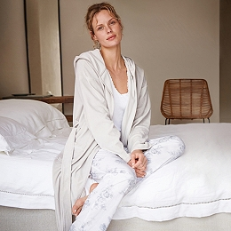 Short Lightweight Velour Robe - Silver Gray
