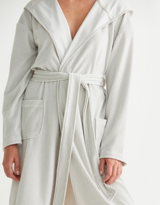 Short Lightweight Velour Robe - Silver Gray