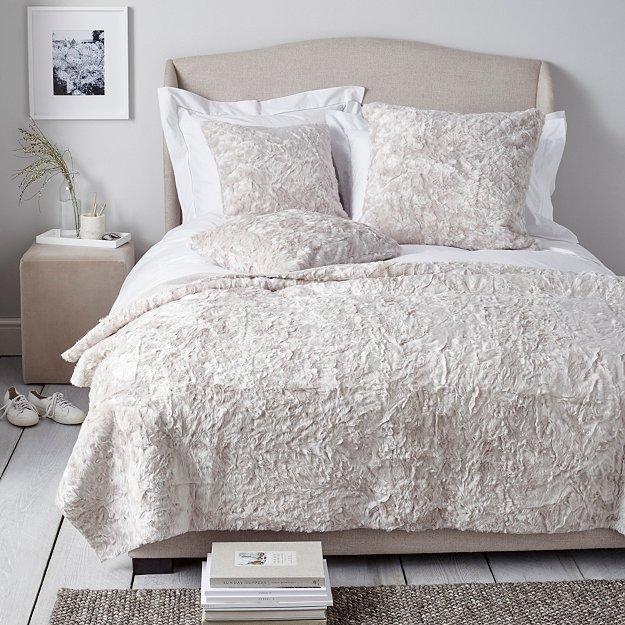 Textured Faux Fur Throw Amp Cushion Covers Bed Cushions