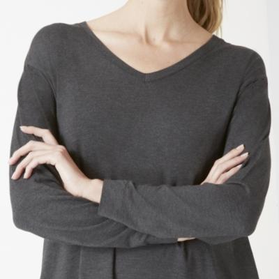 Slouchy V neck Pleat Back Top