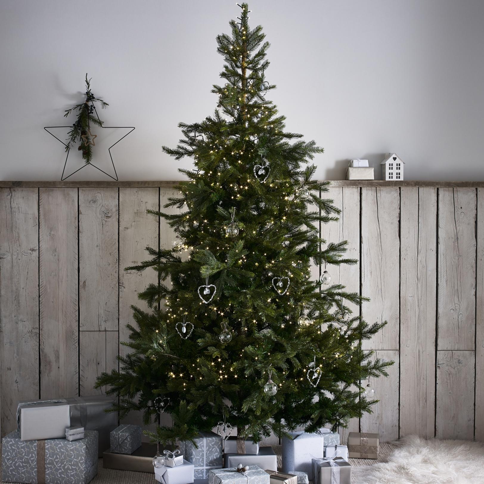Spruce Christmas Tree 7 5ft Christmas Trees