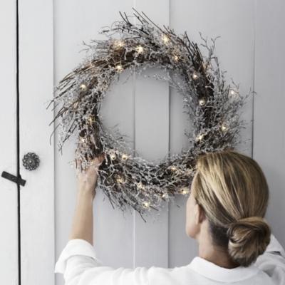Beaded Wreath (Pre lit)