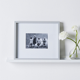"Fine Wood Photo Frame 5x7"" - Grey"
