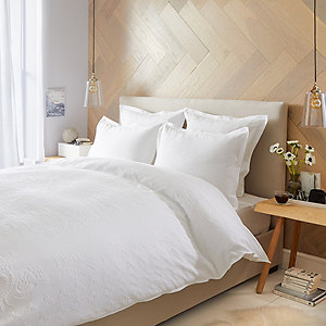 Etienne Bed Linen Collection