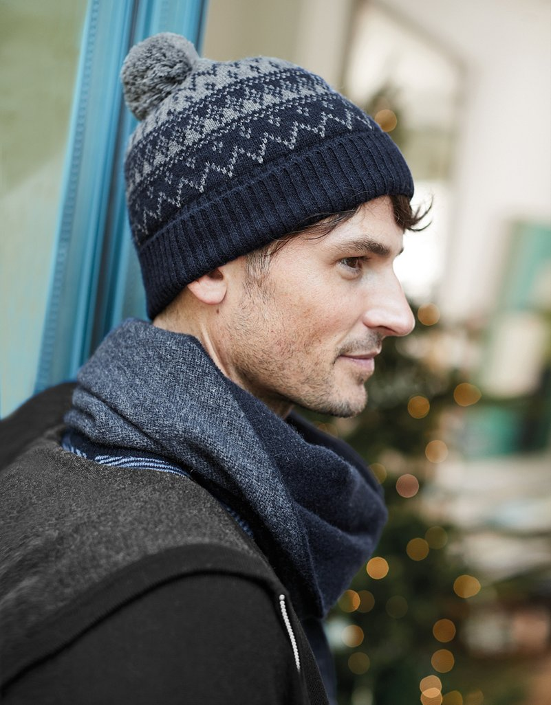 Result Fair Isles Knitted Hat Winter Warm Pom MENS Beanie WOMENS Essentials