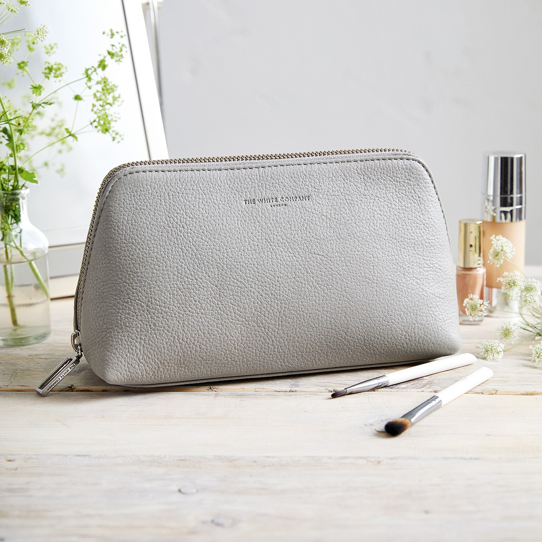 Pebblegrain Leather Make Up Bag Wash
