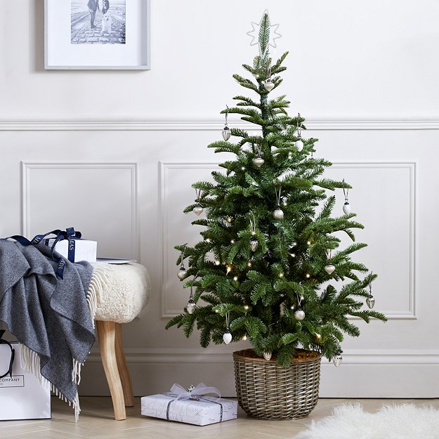 Pre-Lit Entrance Christmas Tree - 4.5ft