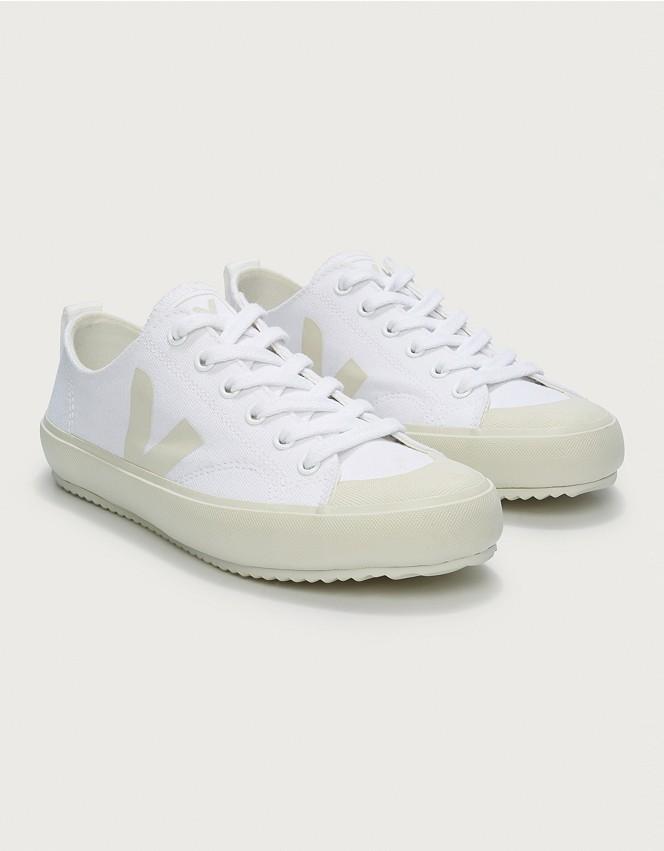Lobo con piel de cordero dos miércoles  Veja Nova Canvas Trainers | Shoes, Boots & Trainers | The White Company UK
